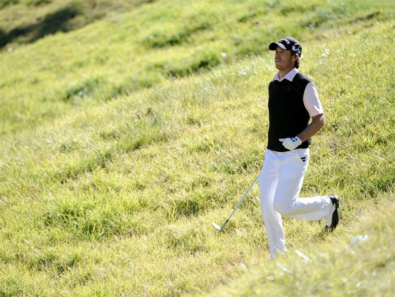 PACIFIC PALISADES, CA - FEBRUARY 20:  Aaron Baddeley of Australia walks through the rough to play his shot on the 12th hole during the fourth round of the Northern Trust Open at the Riviera Country Club on February 20, 2011 in Pacific Palisades, California.  Baddeley would win the tournament.  (Photo by Harry How/Getty Images)