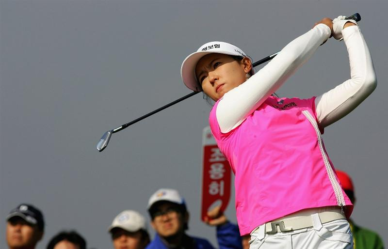 INCHEON, SOUTH KOREA - NOVEMBER 01:  Chae Young Yoon of South Korea hits fer tee shot on the 8th hole during round two of the Hana Bank KOLON Championship at Sky72 Golf Club on November 1, 2008 in Incheon, South Korea.  (Photo by Chung Sung-Jun/Getty Images)