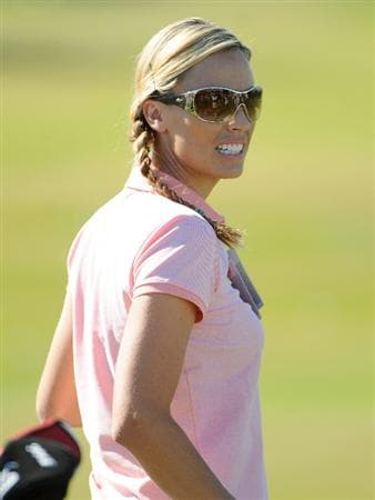 LAS VEGAS- OCTOBER 15: U.S. Olympic swimmer Amanda Beard practices on the driving range during the Championship Pro-Am of the Justin Timberlake Shriners Hospitals for Children Open held at the TPC Summerlin on October 15, 2008 in Las Vegas, Nevada. (Photo by Marc Feldman\Getty Images)