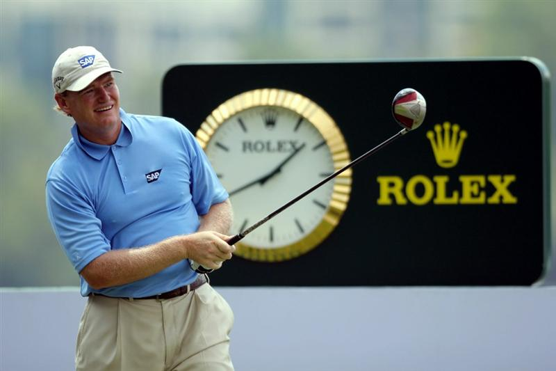 KUALA LUMPUR, MALAYSIA - OCTOBER 28: Ernie Els South Africa watches his tee shot on the 11th hole during day one of the CIMB Asia Pacific Classic at The MINES Resort & Golf Club on October 28, 2010 in Kuala Lumpur, Malaysia. (Photo by Stanley Chou/Getty Images)
