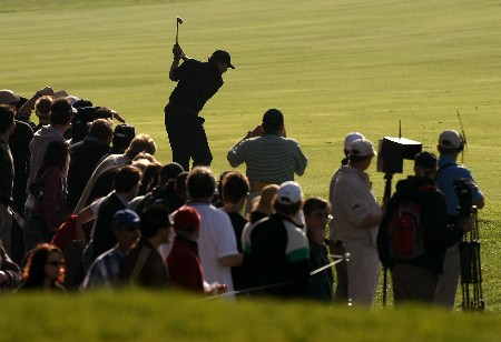 PACIFIC PALISADES, CA - FEBRUARY 17:  Phil Mickelson hits his second shot on the 18th hole during the final round of the Northern Trust Open on February 17, 2008 at Riviera Country Club in Pacific Palisades, California.  Mickelson won at 12 under par for the tournament and a two stroke victory.  (Photo by Stephen Dunn/Getty Images)