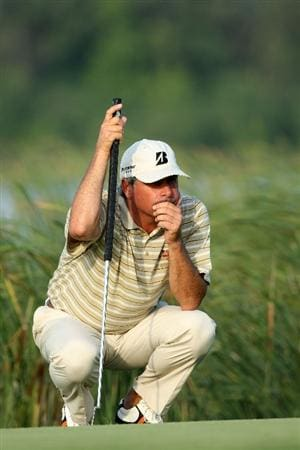 CHASKA, MN - AUGUST 14:  Fred Couples waits on the 16th green during the second round of the 91st PGA Championship at Hazeltine National Golf Club on August 14, 2009 in Chaska, Minnesota.  (Photo by David Cannon/Getty Images)