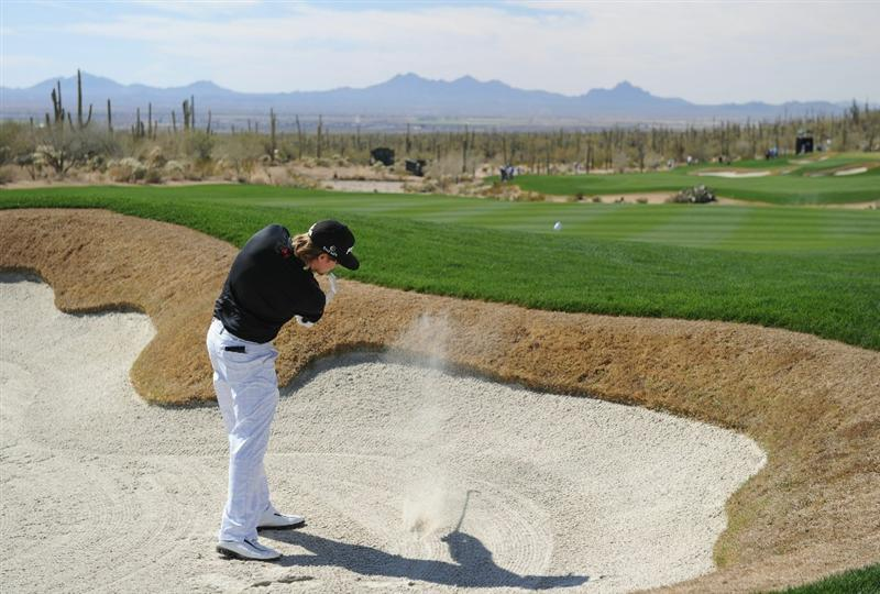 MARANA, AZ - FEBRUARY 25:  Hunter Mahan plays his bunker shot on the 11th hole during the third round of the Accenture Match Play Championship at the Ritz-Carlton Golf Club on February 25, 2011 in Marana, Arizona.  (Photo by Stuart Franklin/Getty Images)