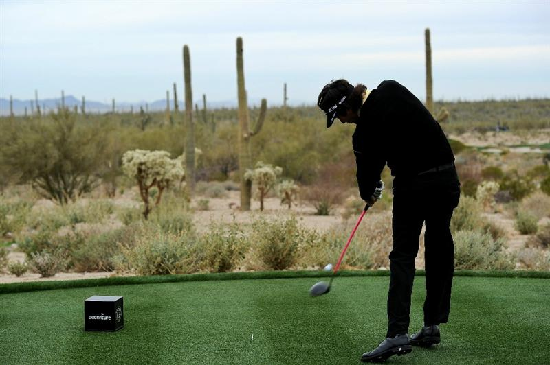MARANA, AZ - FEBRUARY 26:  Bubba Watson hits his tee shot on the fifth hole during the quarterfinal round of the Accenture Match Play Championship at the Ritz-Carlton Golf Club on February 26, 2011 in Marana, Arizona.  (Photo by Stuart Franklin/Getty Images)