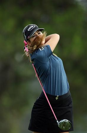LA JOLLA, CA - SEPTEMBER 19:  Paula Creamer of the USA tees off the 5th hole during the third round of the LPGA Samsung World Championship on September 19, 2009 at Torrey Pines Golf Course in La Jolla, California.  (Photo By Donald Miralle/Getty Images)