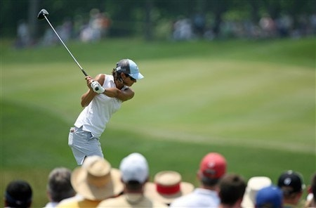 HAVRE DE GRACE, MD - JUNE 08:  Laura Diaz hits her tee shot on the 1st hole during the final round of the McDonald's LPGA Championship at Bulle Rock Golf Course on June 8, 2008 in Havre de Grace, Maryland.  (Photo by Andy Lyons/Getty Images)