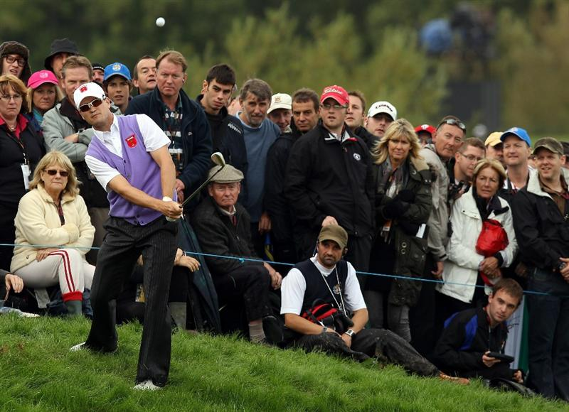 NEWPORT, WALES - OCTOBER 02:  Zach Johnson of the USA chips from the rough during the rescheduled Afternoon Foursome Matches during the 2010 Ryder Cup at the Celtic Manor Resort on October 2, 2010 in Newport, Wales. (Photo by Ross Kinnaird/Getty Images)