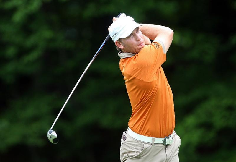 CROMWELL, CT - JUNE 25: Ricky Barnes drives from the 14th tee box during round one of the 2009 Travelers Championship at TPC River Highlands on June 25, 2009 in Cromwell, Connecticut. (Photo by Jim Rogash/Getty Images)