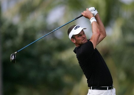 HONOLULU - JANUARY 10:  Jesper Parnevik of Sweden tees off on the second hole during the first round of the Sony Open at the Waialae Country Club January 10, 2008 in Honolulu, Oahu, Hawaii.  (Photo by Jonathan Ferrey/Getty Images)