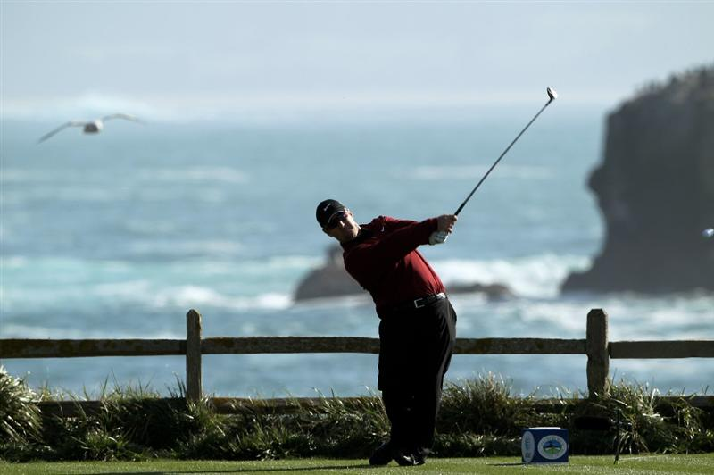 PEBBLE BEACH, CA - FEBRUARY 14:  David Duval tees off on the 18th hole during the final round of the AT&T Pebble Beach National Pro-Am at Pebble Beach Golf Links on February 14, 2010 in Pebble Beach, California.  (Photo by Ezra Shaw/Getty Images)