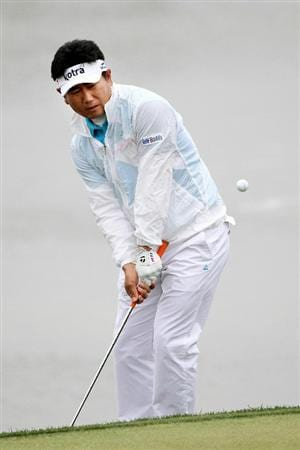 MARANA, AZ - FEBRUARY 26:  Y.E. Yang of South Korea hits his third shot on the third hole during the quarterfinal round of the Accenture Match Play Championship at the Ritz-Carlton Golf Club on February 26, 2011 in Marana, Arizona.  (Photo by Sam Greenwood/Getty Images)