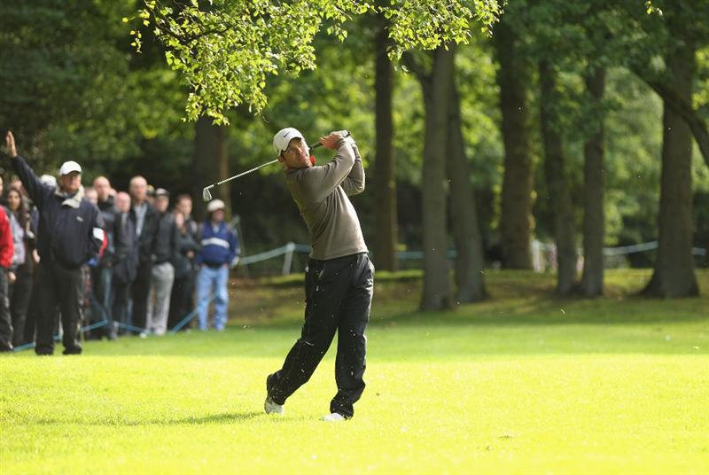 VIRGINIA WATER, ENGLAND - MAY 26:  Paul Casey of England plays his second shot on the 17th hole during the first round of the BMW PGA Championship at Wentworth Club on May 26, 2011 in Virginia Water, England.  (Photo by Ian Walton/Getty Images)