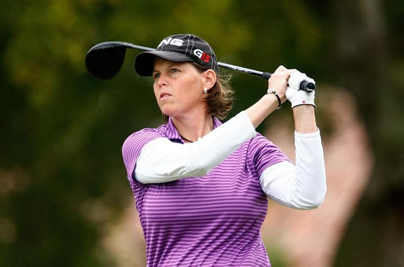 RICHMOND, TX - NOVEMBER 20:  Wendy Ward watches her tee shot on the first hole during the second round of the LPGA Tour Championship presented by Rolex at the Houstonian Golf and Country Club on November 20, 2009 in Richmond, Texas.  (Photo by Scott Halleran/Getty Images)