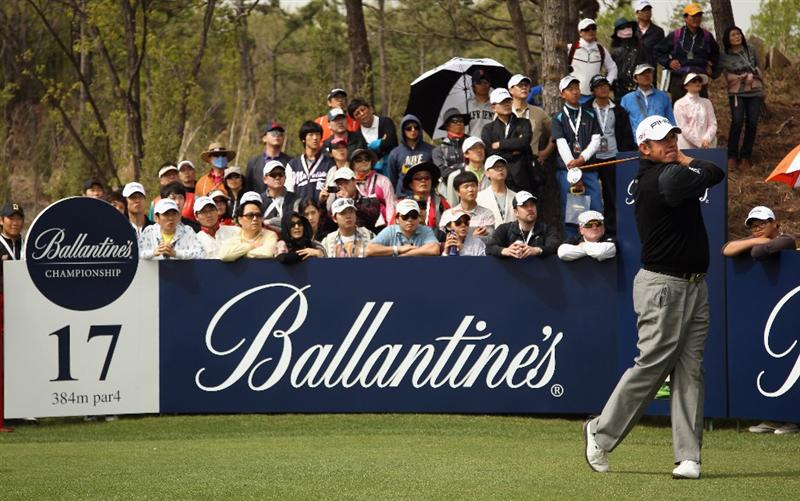 ICHEON, SOUTH KOREA - MAY 01:  Lee Westwood of England in action during the final round on his way to victory in the Ballantine's Championship at Blackstone Golf Club on May 1, 2011 in Icheon, South Korea.  (Photo by Andrew Redington/Getty Images)