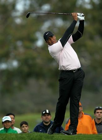 LA JOLLA, CA - JANUARY 30:  Jhonattan Vegas of Venezuela hits his tee shot on the second hole during the final round of the Farmers Insurance Open at Torrey Pines South Course on January 30, 2011 in La Jolla, California.  (Photo by Stephen Dunn/Getty Images)