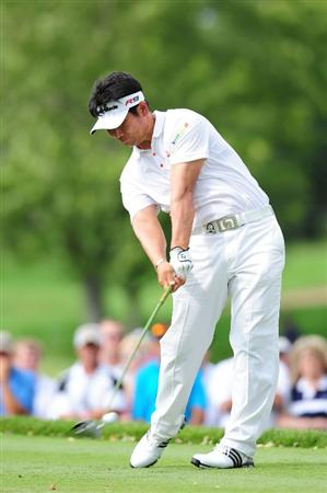 CHASKA, MN - AUGUST 16:  Y.E. Yang of South Korea hits his tee shot on the 12th hole during the final round of the 91st PGA Championship at Hazeltine National Golf Club on August 16, 2009 in Chaska, Minnesota.  (Photo by Stuart Franklin/Getty Images)