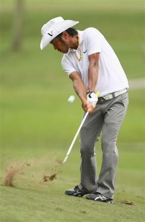 KUALA LUMPUR, MALAYSIA - FEBRUARY 12:  Shingo Katayama of Japan in action during the first round of the 2009 Maybank Malaysian Open at Saujana Golf and Country Club on February 12, 2009 in Kuala Lumpur, Malaysia.  (Photo by Ian Walton/Getty Images)