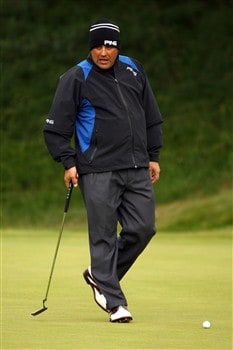 SOUTHPORT, UNITED KINGDOM - JULY 16:  Angel Cabrera of Argentina putts on the 2nd green during the third practice round of the 137th Open Championship on July 16, 2008 at Royal Birkdale Golf Club, Southport, England.  (Photo by Richard Heathcote/Getty Images)
