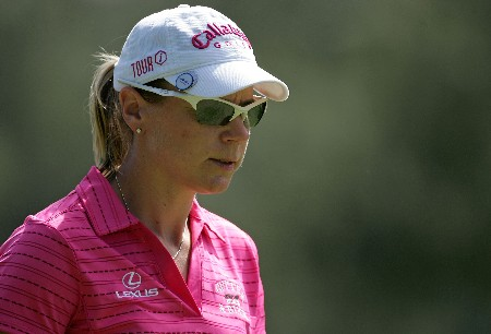 KAHUKU, HI - FEBRUARY 15:  Annika Sorenstam of Sweden looks on at the 16th hole during the second round of the SBS Open at the Turtle Bay Resort February 15, 2008 in Kahuku, Hawaii.  (Photo by Andy Lyons/Getty Images)