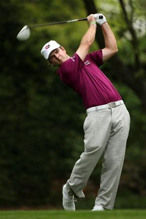 AUGUSTA, GA - APRIL 08:  Kevin Streelman hits his tee shot on the second hole during the second round of the 2011 Masters Tournament at Augusta National Golf Club on April 8, 2011 in Augusta, Georgia.  (Photo by Andrew Redington/Getty Images)