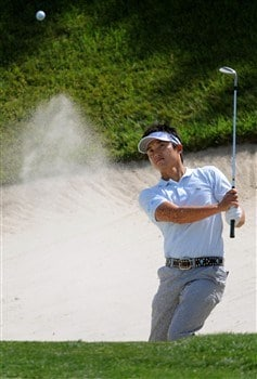 SAN DIEGO - JUNE 11:  Ryuji Imada hits from the bunker during the third day of previews to the 108th U.S. Open at the Torrey Pines Golf Course (South Course) on June 11, 2008 in San Diego, California.  (Photo by Harry How/Getty Images)