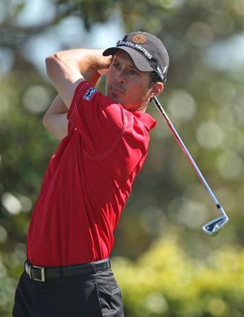 ORLANDO, FL - MARCH 26:  Mike Weir of Canada hits a shot on the second tee during the second round of the Arnold Palmer Invitational presented by MasterCard at the Bayhill Club and Lodge on March 26, 2010 in Orlando, Florida.  (Photo by Scott Halleran/Getty Images)