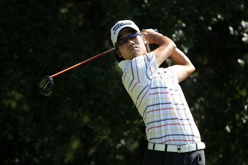 ATLANTA - SEPTEMBER 25:  Kevin Na hits his tee shot on the third hole during the third round of THE TOUR Championship presented by Coca-Cola at East Lake Golf Club on September 25, 2010 in Atlanta, Georgia.  (Photo by Scott Halleran/Getty Images)
