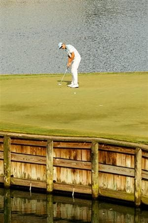 PONTE VEDRA BEACH, FL - MAY 13:  Henrik Stenson of Sweden putts on the 17th green during the second round of THE PLAYERS Championship held at THE PLAYERS Stadium course at TPC Sawgrass on May 13, 2011 in Ponte Vedra Beach, Florida.  (Photo by Mike Ehrmann/Getty Images)