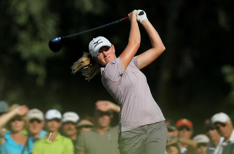 RANCHO MIRAGE, CA - APRIL 03:  Stacy Lewis hits her tee shot on the 16th hole during the final round of the Kraft Nabisco Championship at Mission Hills Country Club on April 3, 2011 in Rancho Mirage, California.  (Photo by Stephen Dunn/Getty Images)