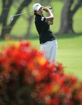 KAPOLEI, HI - FEBRUARY 22:  Song-Hee Kim of South Korea hits her second shot on the 18th hole during the second round of  the Fields Open on February 22, 2008  at the Ko Olina Golf Club in Kapolei, Hawaii.  (Photo by Andy Lyons/Getty Images)
