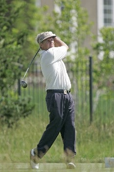 Wayne Levi hits a drive during the final round of the Bayer Advantage Classic held at LionsGate Golf Course in Overland Park, KS, June 12, 2005.Photo by G. Newman Lowrance/WireImage.com
