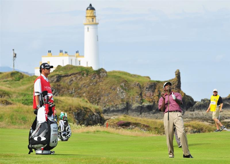 TURNBERRY, SCOTLAND - JULY 16:  Vijay Singh of Fiji reacts to a shot during round one of the 138th Open Championship on the Ailsa Course, Turnberry Golf Club on July 16, 2009 in Turnberry, Scotland.  (Photo by Stuart Franklin/Getty Images)