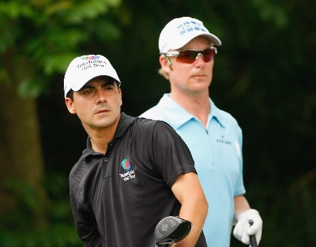 JAKARTA, INDONESIA - FEBRUARY 15:  Felipe Aguilar (L) of Chile and defending champion Mikko Ilonen of Finland on the nineth hole during the second round of the 2008 Enjoy Jakarta Astro Indonesian Open at the Cengkareng Golf Club on February 15, 2008 in Jakarta, Indonesia.  (Photo by Stuart Franklin/Getty Images)