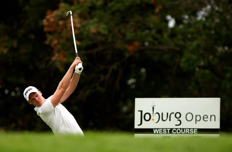 JOHANNESBURG, SOUTH AFRICA - JANUARY 09:  Danny Willett of England tee's off at the 11th during the second round of the Joburg Open at Royal Johannesburg and Kensington Golf Club on January 9, 2009 in Johannesburg, South Africa.  (Photo by Richard Heathcote/Getty Images)