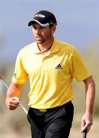 MARANA, AZ - FEBRUARY 20:  Sergio Garcia  of Spain celebrates his putt on the 13th hole during round four of the Accenture Match Play Championship at the Ritz-Carlton Golf Club on February 20, 2010 in Marana, Arizona.  (Photo by Stuart Franklin/Getty Images)