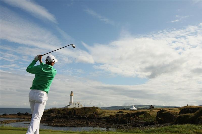 TURNBERRY, SCOTLAND - JULY 14:  Justin Rose of England watches a shot during a practice round prior to the 138th Open Championship on the Ailsa Course, Turnberry Golf Club on July 14, 2009 in Turnberry, Scotland.  (Photo by Ross Kinnaird/Getty Images)