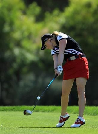 RANCHO MIRAGE, CA - APRIL 03:  Morgan Pressel of the USA plays her tee shot on the par 4, 6th hole during the final round of the 2011 Kraft Nabisco Championship on the Dinah Shore Championship Course at the Mission Hills Country Club on April 3, 2011 in Rancho Mirage, California.  (Photo by David Cannon/Getty Images)