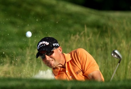 OAKMONT, PA - JUNE 16:  Niclas Fasth of Sweden hits out of a bunker on the 13th hole during the third round of the 107th U.S. Open Championship at Oakmont Country Club on June 16, 2007 in Oakmont, Pennsylvania.  (Photo by David Cannon/Getty Images)