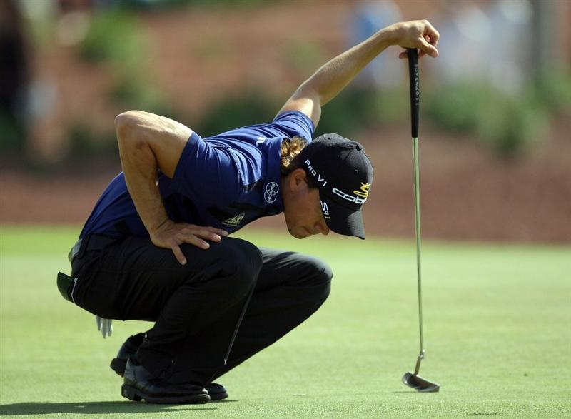 DUBAI, UNITED ARAB EMIRATES - NOVEMBER 21:  Camilo Villegas of Colombia on the green at the 6th hole during the third round of the Dubai World Championship, on the Earth Course, Jumeirah Golf Estates on November 21, 2009 in Dubai, United Arab Emirates  (Photo by David Cannon/Getty Images)
