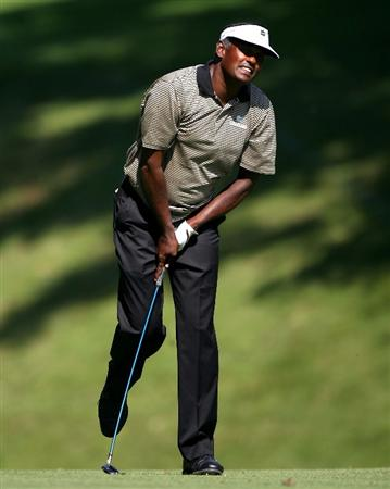 DUBLIN, OH - JUNE 05:  Vijay Singh of Fiji hits his second shot on the 15th hole during the second round of the Memorial Tournament on June 5, 2009 at the Muirfield Village Golf Club in Dublin, Ohio.  (Photo by Andy Lyons/Getty Images)