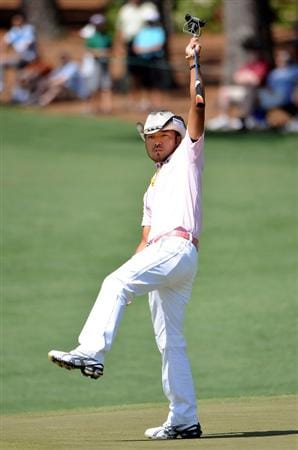 AUGUSTA, GA - APRIL 12:  Shingo Katayama of Japan reacts to a putt on thr second green during the final round of the 2009 Masters Tournament at Augusta National Golf Club on April 12, 2009 in Augusta, Georgia.  (Photo by Harry How/Getty Images)