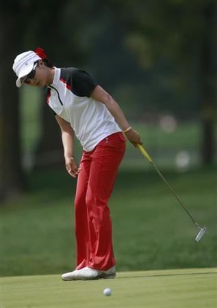 ROGERS, AR - SEPTEMBER 11:  Kyeong Bae of South Korea watches her putt on the 8th green during first round play in the P&G Beauty NW Arkansas Championship at the Pinnacle Country Club on September 11, 2009 in Rogers, Arkansas.  (Photo by Dave Martin/Getty Images)