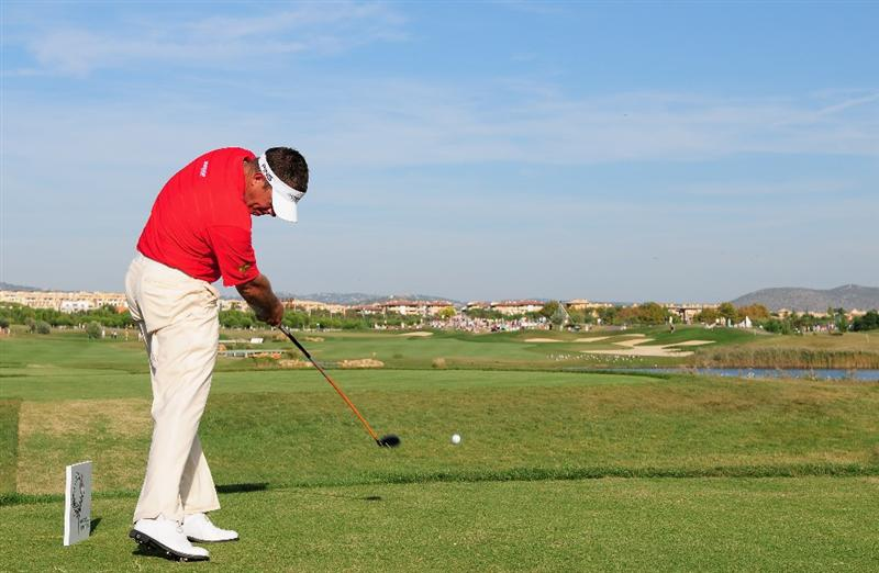 VILAMOURA, PORTUGAL - OCTOBER 18:  Lee Westwood of England plays his tee shot on the 14th hole during the final round of the Portugal Masters at the Oceanico Victoria Golf Course on October 18, 2009 in Vilamoura, Portugal.  (Photo by Stuart Franklin/Getty Images)
