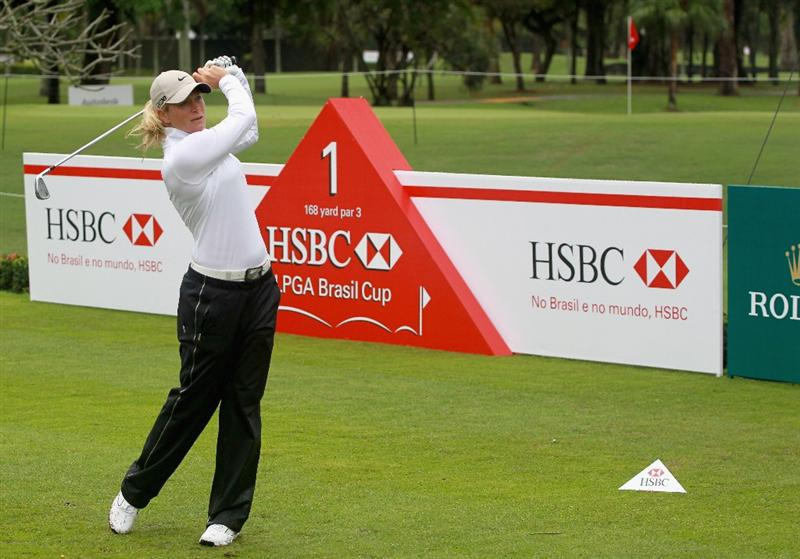 RIO DE JANEIRO, BRAZIL - MAY 28:  Suzann Pettersen of Norway watches her tee shot on the first hole during the first round of the HSBC LPGA Brazil Cup at the Itanhanga Golf Club on May 28, 2011 in Rio de Janeiro, Brazil.  (Photo by Scott Halleran/Getty Images)