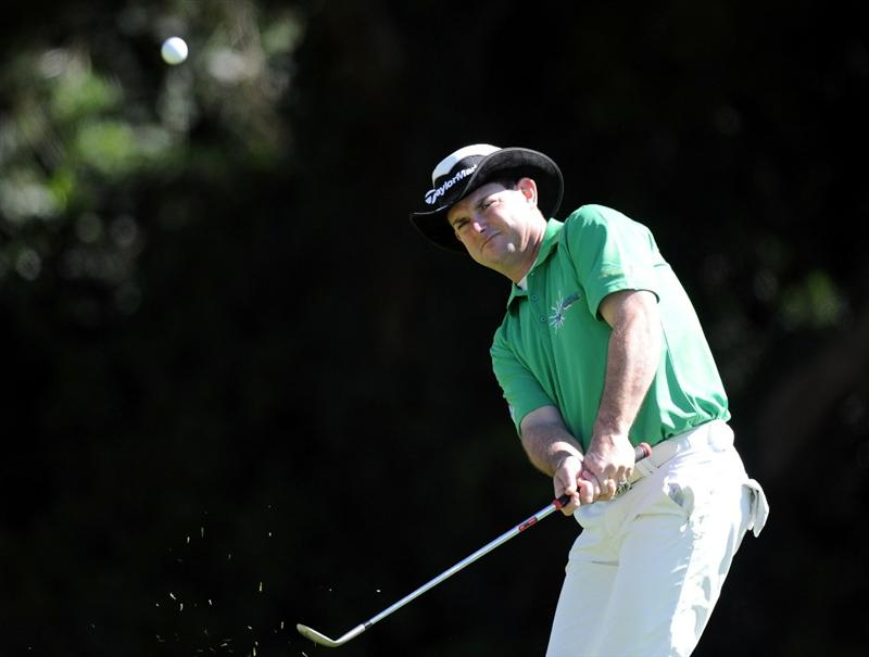 PACIFIC PALISADES, CA - FEBRUARY 17:  Rory Sabbatini of South Africa chips from the rough of the 12th hole during the first round of the Northern Trust Open at the Riviera Country Club on February 17, 2011 in Pacific Palisades, California.  (Photo by Harry How/Getty Images)
