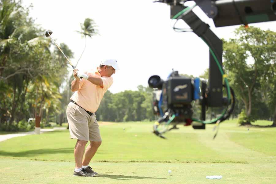Al Del Greco has some golf skills.