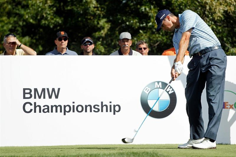 LEMONT, IL - SEPTEMBER 09:  Matt Kuchar hits his tee shot on the 18th hole during the first round of the BMW Championship at Cog Hill Golf & Country Club on September 9, 2010 in Lemont, Illinois.  (Photo by Scott Halleran/Getty Images)