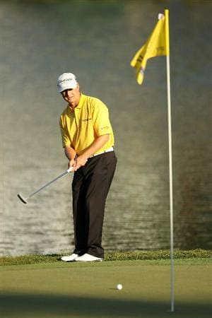 PONTE VEDRA BEACH, FL - MAY 15:  David Toms putt on the 17th hole during the final round of THE PLAYERS Championship held at THE PLAYERS Stadium course at TPC Sawgrass on May 15, 2011 in Ponte Vedra Beach, Florida.  (Photo by Mike Ehrmann/Getty Images)
