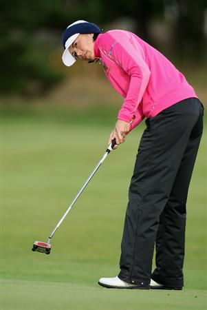 LYTHAM ST ANNES, UNITED KINGDOM - JULY 30:  Stacy Prammanasudh of USA putts on the 3rd green during the first round of the 2009 Ricoh Women's British Open Championship held at Royal Lytham St Annes Golf Club, on July 30, 2009 in  Lytham St Annes, England. (Photo by David Cannon/Getty Images)