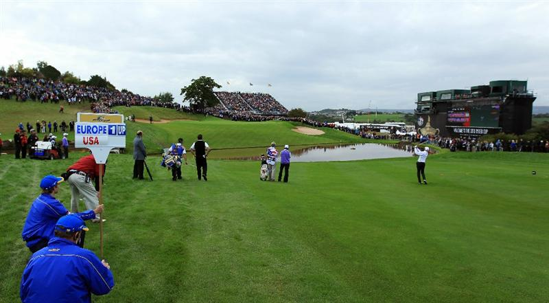 NEWPORT, WALES - OCTOBER 02:  Jim Furyk of the USA hits his 3rd shot on the 18th hole during the rescheduled Afternoon Foursome Matches during the 2010 Ryder Cup at the Celtic Manor Resort on October 2, 2010 in Newport, Wales.  (Photo by David Cannon/Getty Images)